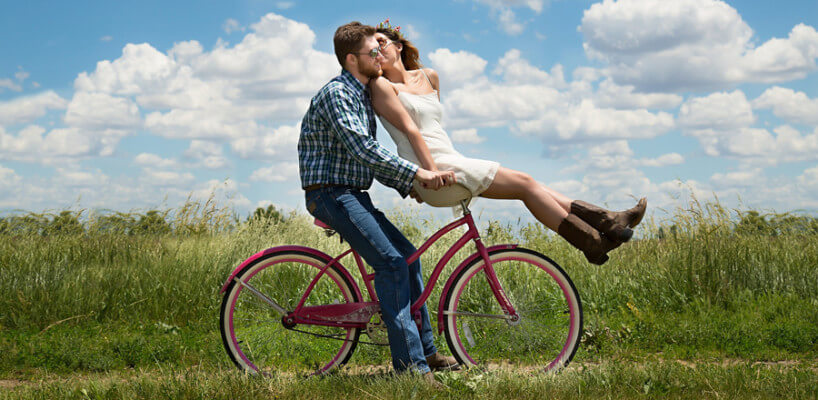 Im Doppelpack sparen: Versicherungsschutz für unverheiratete Paare