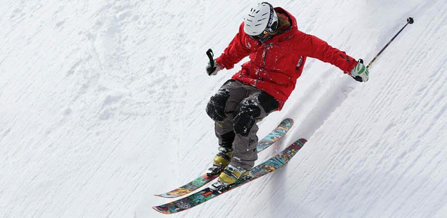 Skiurlaub: Was leistet die  Wintersportversicherung?